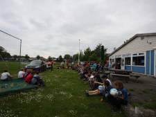 Sport en feest (maar geen poep) op sportveld Ouwerkerk