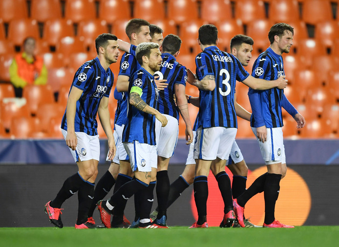 De Atalanta-spelers na een van Ilicic zijn goals.