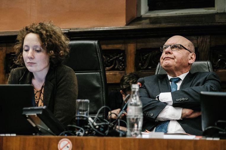 Groen-schepen Elke Decruyenaere, samen met sp.a-burgemeester Daniël Termont op de gemeenteraad. Beeld Wouter Van Vooren