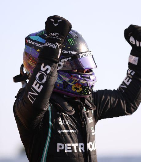 Hamilton troeft Verstappen af en mag vooraan starten in sprintrace op Silverstone