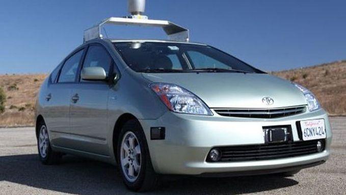 Google, dont voici l'un des prototypes, s'est également lancé dans le développement de la voiture autonome.