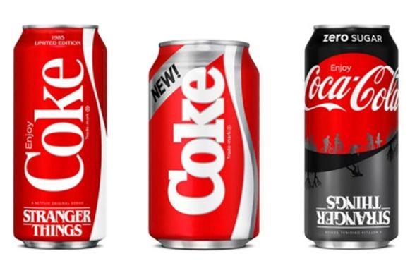 In de VS werden deze zomer drie verschillende soorten blikjes New Coke uitgebracht.