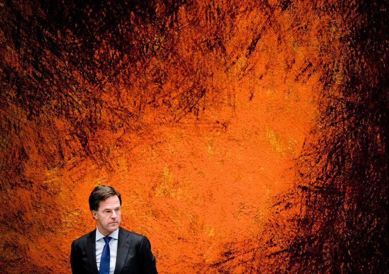 Premier Mark Rutte tijdens het Kamerdebat over de coronacrisis. Beeld EPA