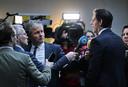 Minister Wopke Hoekstra van Financien staat de pers te woord na afloop van een gesprek met gedupeerde ouders over de toeslagenaffaire
