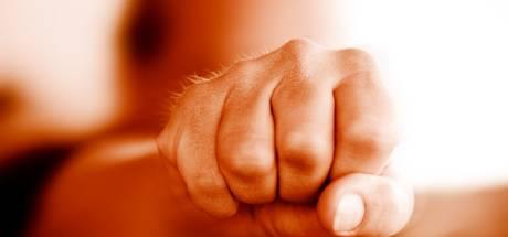Vrouw mishandeld door haar vriend (33) in Duiven: 'Ze was behoorlijk toegetakeld'
