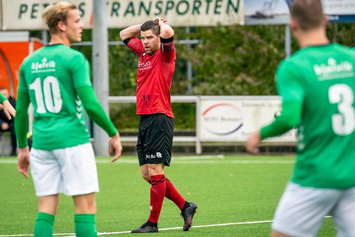 Ricky Houterman baalt. SC Bemmel - Heino.