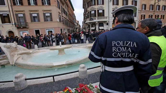 De Barcaccia-fontein aan de voet van de Spaanse Trappen
