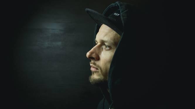 Hiphopartiest Chillow lanceert eerste single 'Slapeloas'