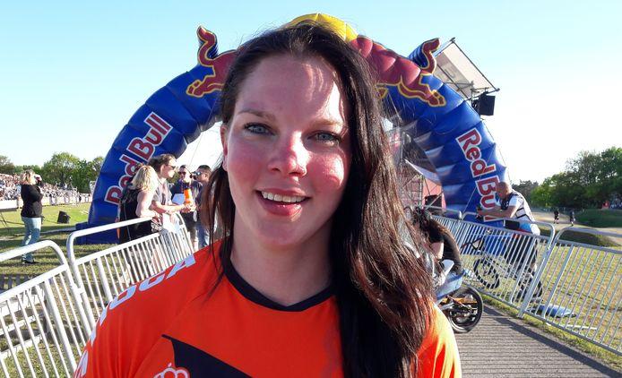 Merle van Benthem, blij met zesde plaats in derde ronde van BMX Supercross op Papendal.
