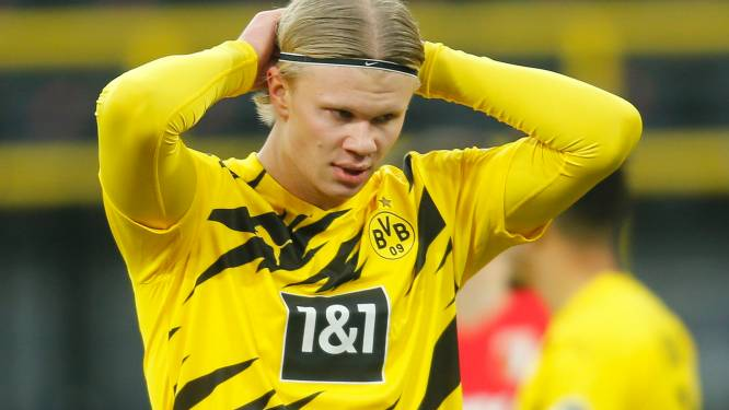 Dortmund wint ondanks eerste strafschopmisser Haaland, Lukebakio verliest bij terugkeer