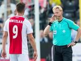Ajax wordt gered door VAR bij winst in Venlo