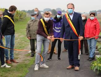 Veilig van Droogte naar Reibroekstraat wandelen of fietsen kan nu via het Vossestraetje