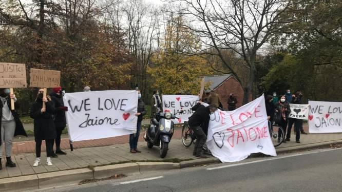 """Actie aan gevangenis van Gent tegen uitlevering Spaanse kokkin Maria: """"Dit verdient ze niet"""""""