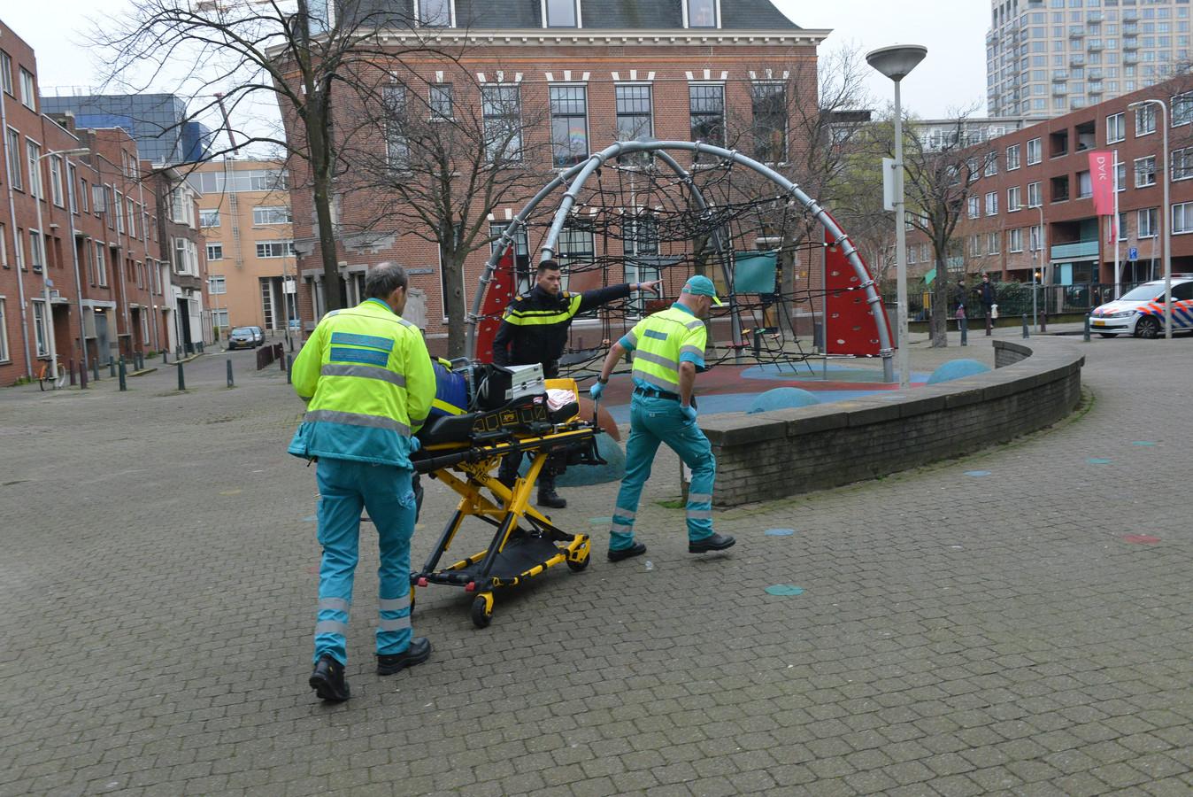 Bij de steekpartij aan het Lamgroen in Den Haag raakte een persoon gewond.