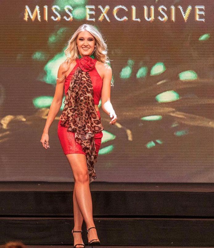 Selena Ali op de finale van Miss Exclusive
