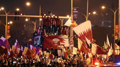 FT buitenland (03/02). Qatarese selectie als helden onthaald bij terugkeer in Doha - Feyenoord laat zich verrassen in Rotterdamse derby