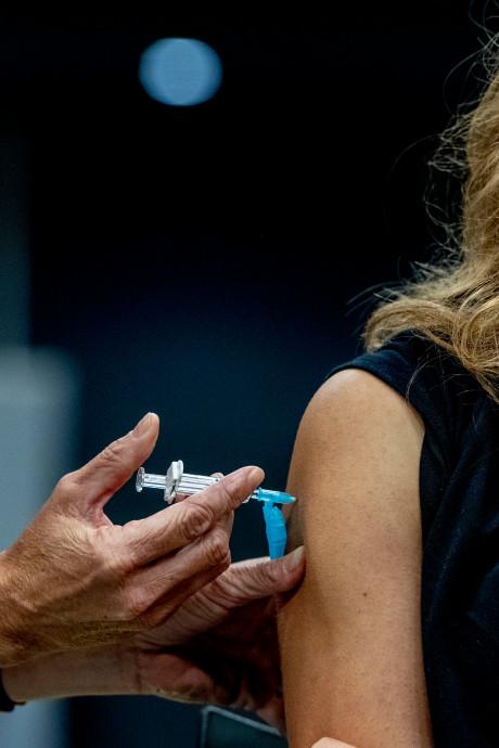 19 doden en 93 ernstig zieken en tóch halen duizenden 14-jarigen geen inenting