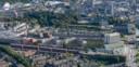 Een beeld van hoe het project 5Tracks in Breda er in de toekomst gaat uitzien. Links het station Breda CS, rechts de rechtbank.