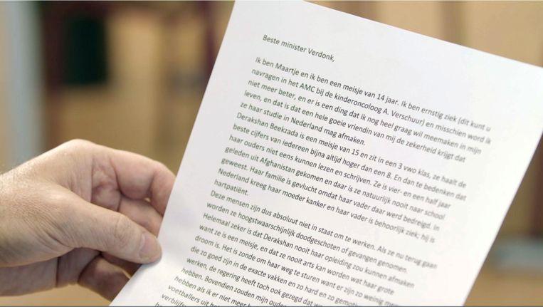 Maartje schreef in 2004 een brief aan de toenmalige minister van Vreemdelingenzaken en Integratie Rita Verdonk, waarin ze vraagt of haar Afghaanse vriendin haar studie mag afmaken in Nederland.  Beeld -