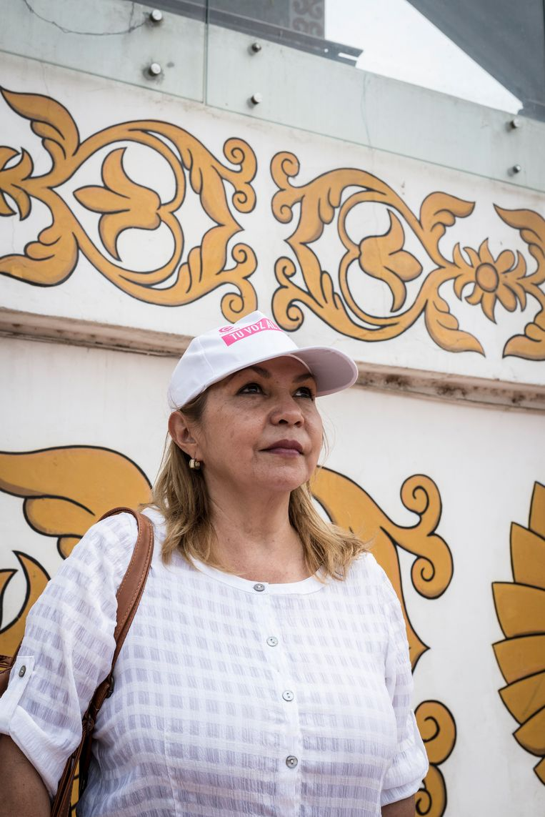 De gedwongen vlucht van de president was volgens  Gloria Casanova (54) het einde van de 'dictatuur',  zo mag je een heerschappij van veertien jaar wel noemen vindt ze. Beeld Marcelo Perez del Carpio