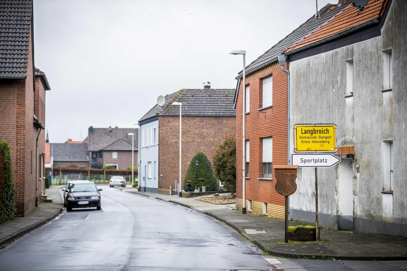 Een straat in een plaatsje Langbroich