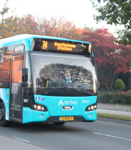 'Zeer punctuele' reiziger zoekt contact met politie Berkelland nadat bus week lang te laat is