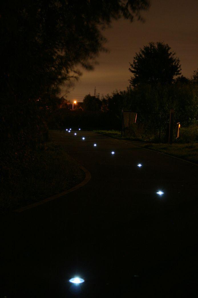 De lichtbakens in Ruien en Ronse maken deel uit van een proefproject van de provincie.