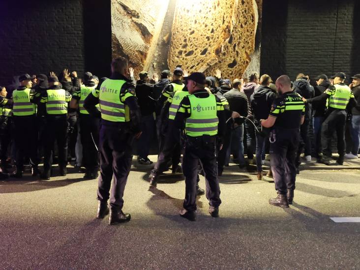 Grote groep PEC Zwolle-supporters opgepakt in Eindhoven