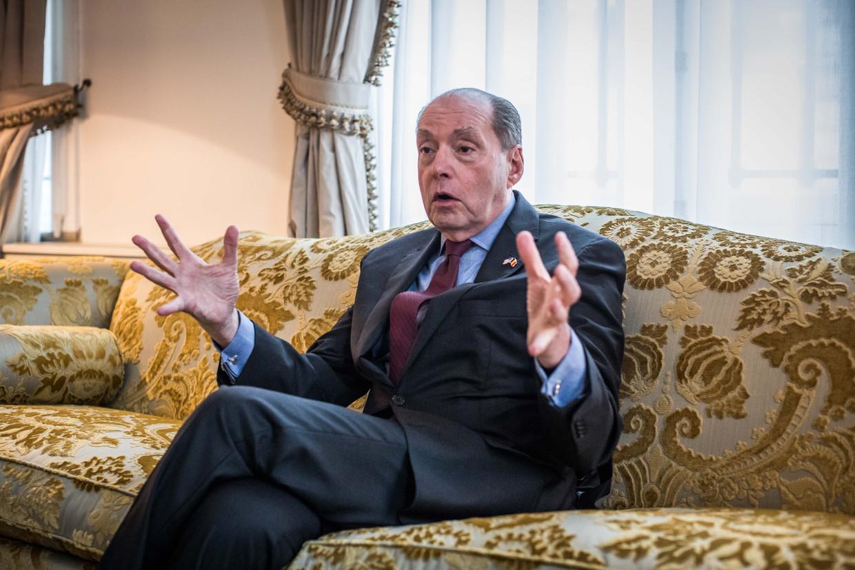 Ronald Gidwitz: 'Er zitten tegelijk in noordelijk Syrië nog meer dan 2.000 buitenlandse IS-strijders gevangen in een zeer instabiel gebied. IS heeft al gedreigd dat ze deze kampen gaan aanvallen en hun strijders willen bevrijden.' Beeld Bas Bogaerts