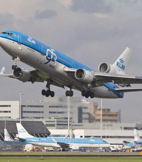 'Kabinet draait KLM met maatregelen de nek om'