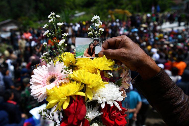 Zeker 164 opvarenden worden vermist, maar het werkelijke aantal blijft onduidelijk.