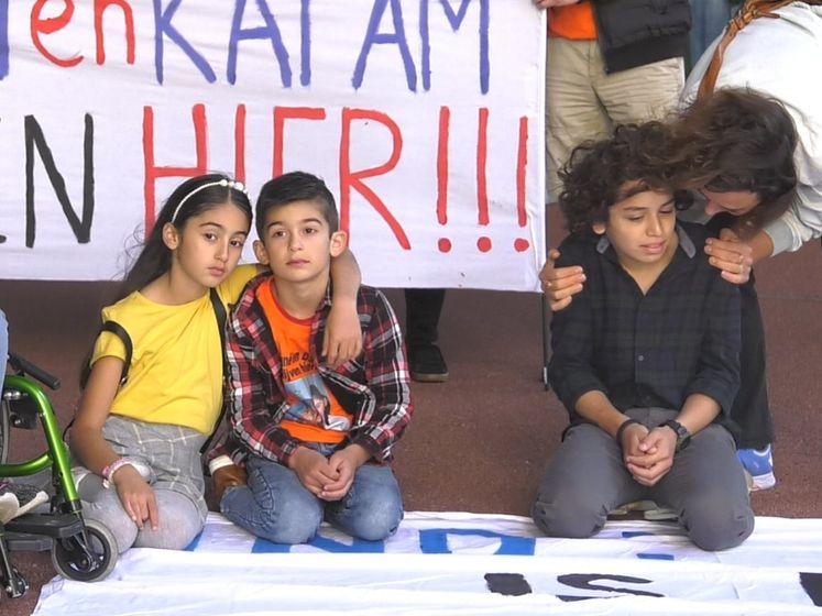 Kinderen dreigen uitgezet te worden: 'Onmenselijke situatie'