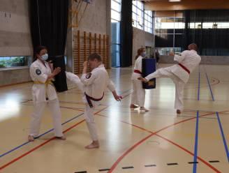 """Stabroekse karateka's mogen allemaal weer binnen trainen: """"Seizoen op mooie manier afronden"""""""