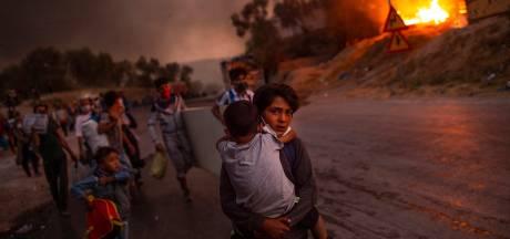 Afghanen tien jaar de cel in voor brand in kamp Moria