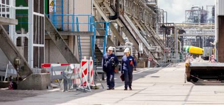 Werknemers grote industriebedrijven slaan alarm: 'Milieuplannen kosten onze banen'