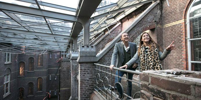 Wim Boers en Monica Passier van Kadans in het nieuwe atrium.