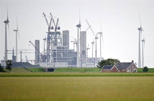 De in aanbouw zijnde kolencentrale in de Eemshaven.