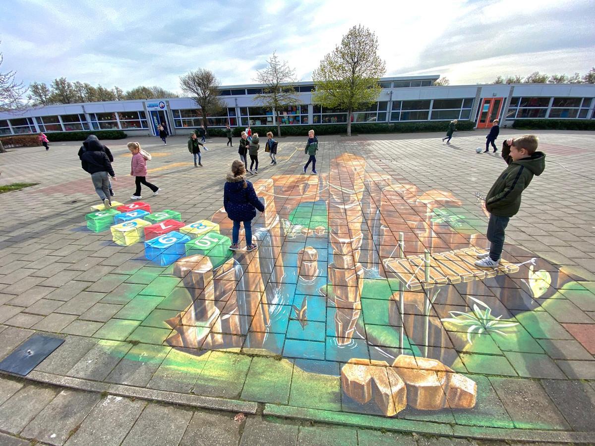 En zo krijgt spelen op het schoolplein een extra dimensie.