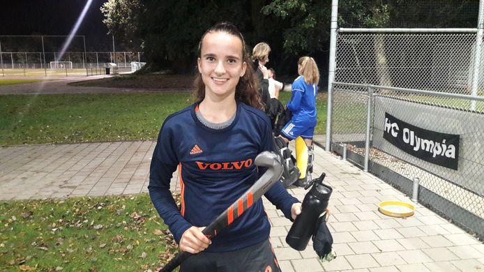 Imke Verstraeten, hockeyster uit Hulst, na haar debuut bij Oranje onder 16.