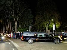 Rouwstoet MH17 aangekomen in Hilversum