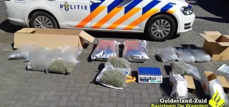 Politieactie in Zaltbommel: zakken wiet gevonden 'met straatwaarde van 100.000 tot 150.000 euro'