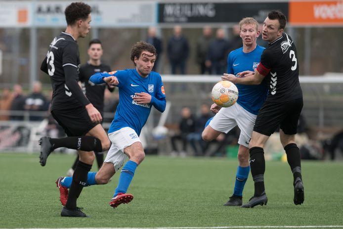 Jefta van den Broek speelt na de zomer weer in het vertrouwde blauw van SDC Putten.