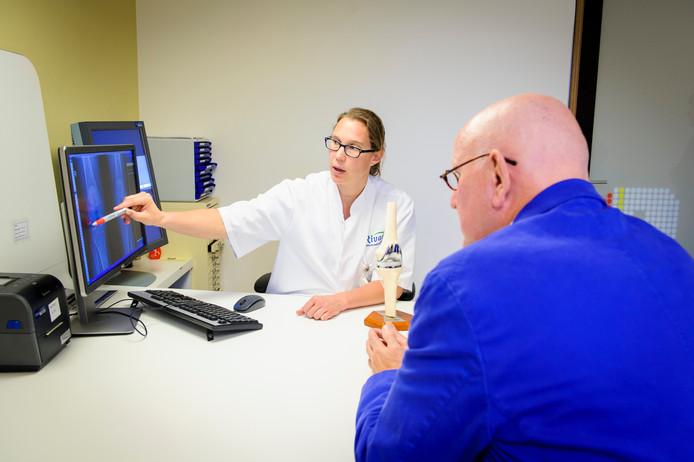 Omdat het ziekenhuis voor dit jaar geen afspraken heeft gemaakt met deze goedkope basisverzekeringen, draaien patiënten zelf op voor een deel van de behandelkosten.