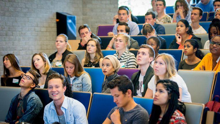 In totaal gaat het om 112.000 studenten die les volgen op hogescholen of universiteiten. Beeld anp