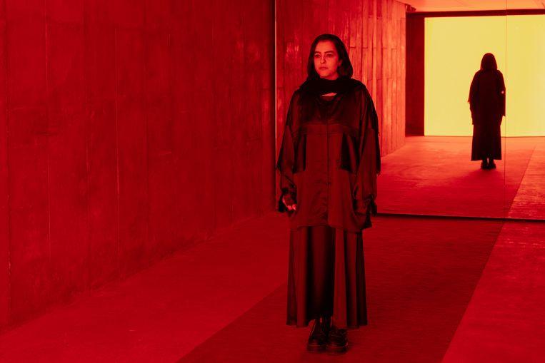 Newsha Tavakolian in de Argo Factory in Teheran bij de vertoning van haar film. Beeld Sina Shiri