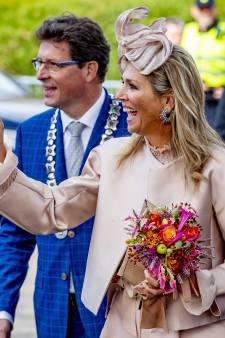 Máxima bezoekt Meppel in veelbesproken, gehate outfit