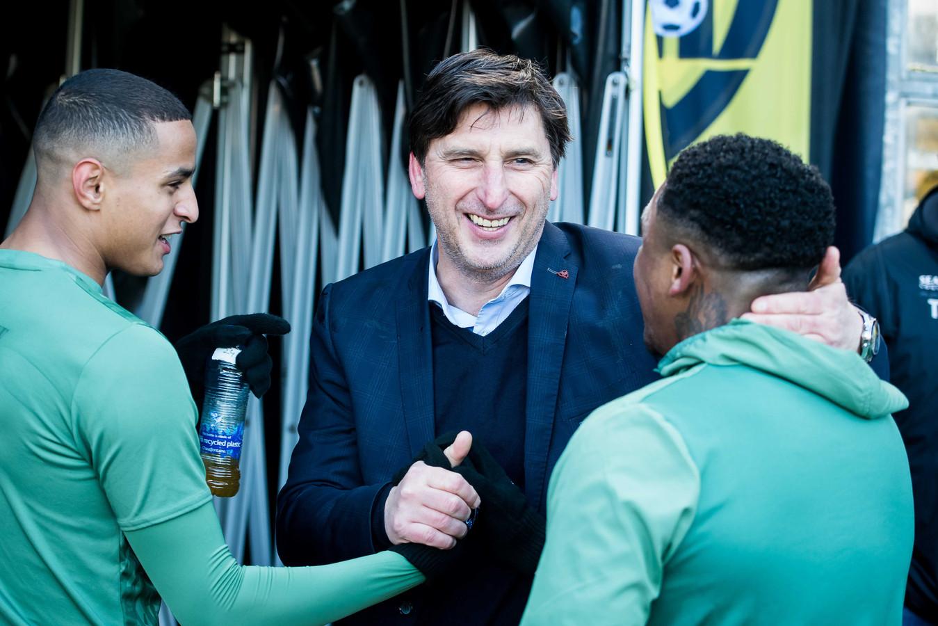 PSV-icoon Luc Nilis met Mohamed Ihattaren Steven Bergwijn, voorafgaand aan de wedstrijd VVV-PSV begin dit jaar.