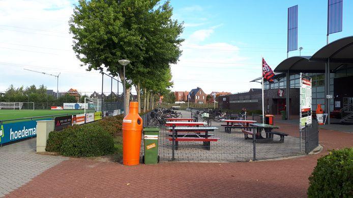 Het clubhuis van OJC op het sportpark in de Groote Wielen.