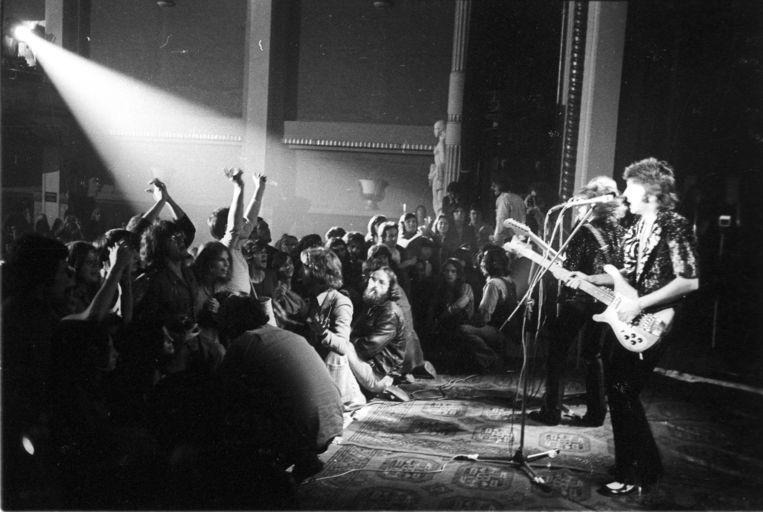 Het eerste optreden van Paul McCartney in ons land na The Beatles, op 22 augustus 1972 in Cine Roma in Antwerpen. Beeld rv