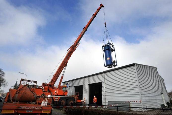 Het bovengrondse saneringssysteem wordt verwijderd. foto Joris Buijs/PVE